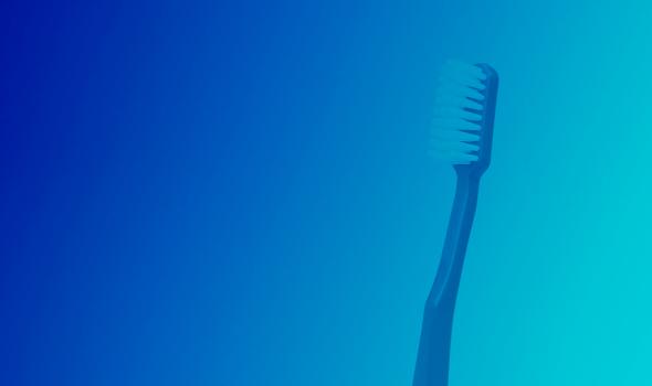 trocar a escova de dentes